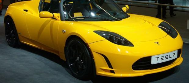 Tesla Roadster 2.5 (Image credit – Overlaet, Wikimedia Commons)