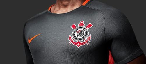 Diretoria do Corinthians está muito próxima de anunciar 2 reforços.