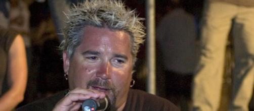 Guy Fieri at BBQ Competition 2008 [Img via Wiki | Private First Class Eric Liesse, of the Joint Task Force Guantanamo Public Affairs Department]