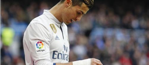 L'Equipe usa la imagen de CR7 para ilustrar el escándalo Football ... - mundodeportivo.com