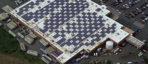Solar Panels on Caguas, Puerto Rico Walmart. - [Image credit – Walmart Corporate / Wikimedia Commons]