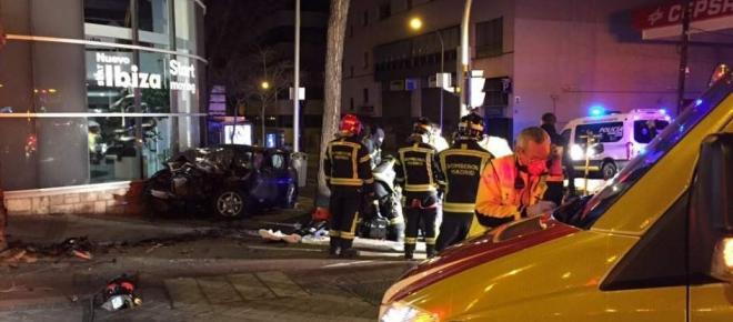 Choque de un turismo y un taxi deja tres heridos en Madrid