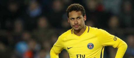 Neymar mantém vários amigos em Barcelona
