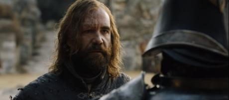 The Hound warns the Mountain that someone is coming for him in 'Game of Thrones' Season 8. - [Image credit:Talking Thrones/YouTube]