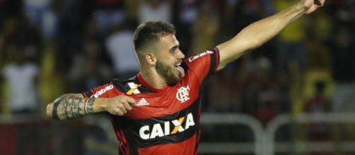 Ce footballeur brésilien va bientôt débarquer au Paris Saint Germain ?