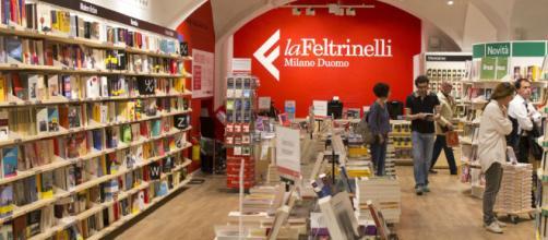 La catena di librerie La Feltrinelli invita a scrivere recensioni