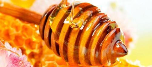 La miel es comprobado antiséptico, antiinflamatorio y antioxidante de uso tópico