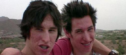 Matt e Mike queriam se parecer com o ex-marido da Angelina Jolie, Brad Pitt | Foto Reprodução