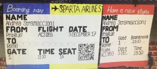Striscione ironico dei tifosi dello Sparta Praga contro l'allenatore Andrea Stramaccioni