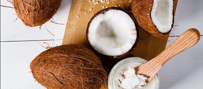 Cheveux, peau, lèvres : 10 raisons de ne jurer que par l'huile de coco