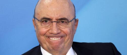 Meirelles ameaça com corte e pressiona deputados a votar reforma