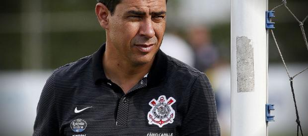 Ciente da situação do Corinthians, Carille não espera grandes reforços