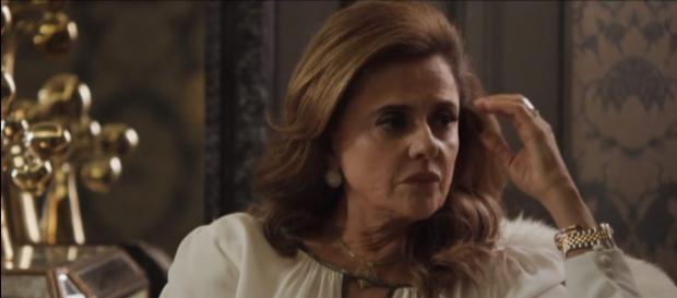 Com a ajuda de Mariano e Patrick, Clara denunciará Sophia