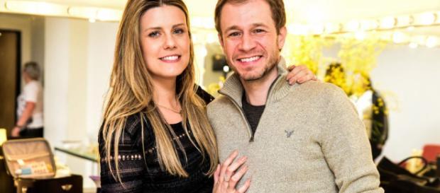 Daiana esposa de Leifert reclamou da falta de tempo para a intimidade do casal