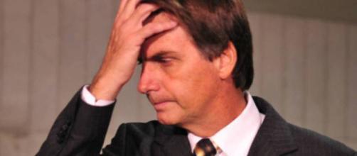 Brasileiros amargam pesquisa sobre popularidade dos políticos no poder
