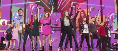 Concursantes después de cantar La Revolución Sexual, uno de los himnos de esta edición