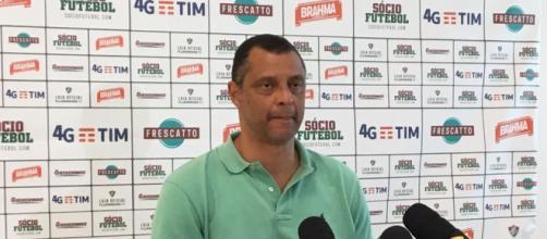 Dirigente do Flu, Alexandre Torres nega propostas e afirma desejo de contar com Gustavo Scarpa para 2018