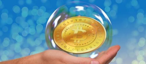 Il simbolo del Bitcoin racchiuso in una bolla