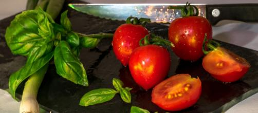 New Innit app will help you make meals. - [Photo by Dennis Klein on Unsplash]