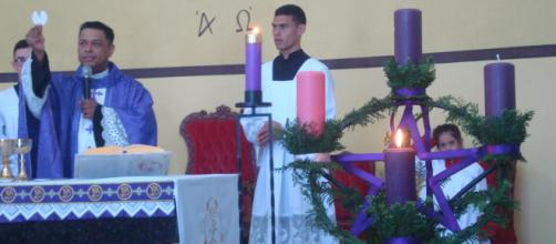 Padre Marcos Vinícius acolheu agentes da Pascom, encerrando atividades pastorais