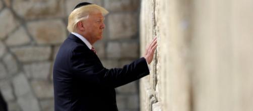 Donald Trump visitando el Muro de las Lamentaciones.Evan Vucci/AP