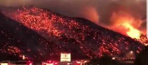Enorme incendio a Los Angeles.
