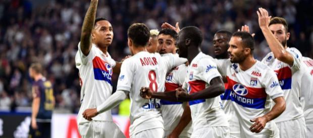 Houssem Aouar enchante les supporters lyonnais (Icon Sport).