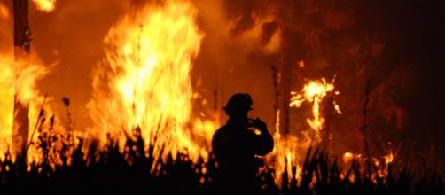 A wildfire rages. [Image credit: U.S Fish and Wildlife Service via Flickr]