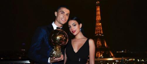 Cristiano Ronaldo com a namorada Georgina, em Paris