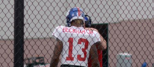 Odell Beckham doesn't understand why he and Tom Brady aren't in the same class. - [Image via Tom Hanny / Wikimedia Commons]