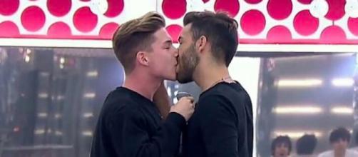 Ragoney, el primer beso homosexual de la historia de OT