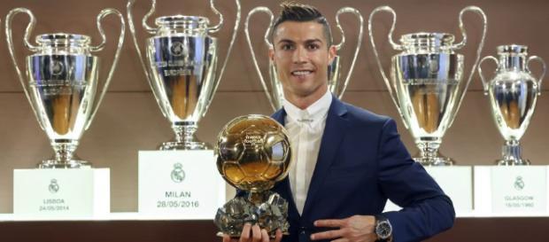 Cristiano ya tiene en su poder su quinto Balón de Oro - peru.com