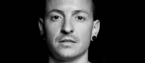 Chester era o ídolo de muitos jovens. (Foto Reprodução).