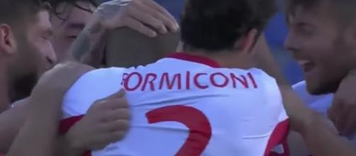 Giocatori del Pordenone festeggiano dopo un gol in Coppa Italia