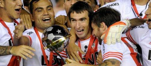 Grandes triángulos amorosos en el fútbol: Barovero y Cavenaghi ... - caracoltv.com