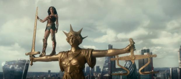Scene from 'Justice League' [Image Credit: Warner Bros Pictures/YouTube]