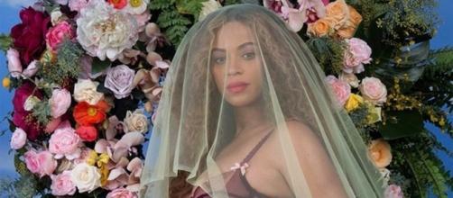 Cantora Beyoncé em sua segunda gravidez, confirmada pela cantora em seu Instagram