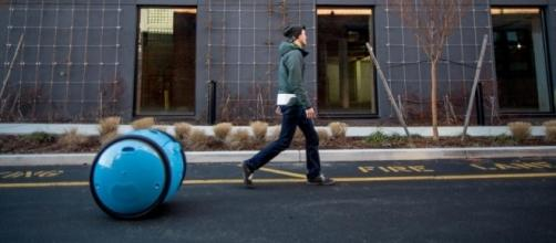 From Vespa scooters, Piaggio unveils the Gita carry-robot that follow you around. / Photo from 'Dezeen' - dezeen.com