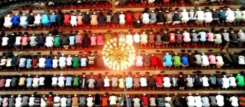 Islamismo em crescimento numérico (Foto de Shaeekh Shuvro)