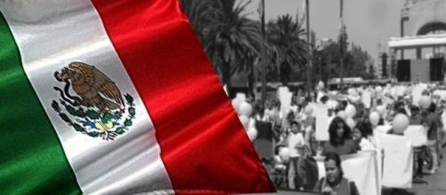 México unido, jamás será vencido.