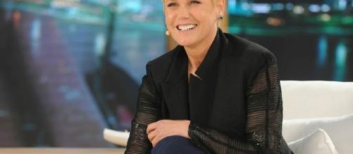 Xuxa seguirá na tela da Record