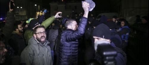 Proteste in Piazza della Vittoria, Bucarest (via Digi24.ro)