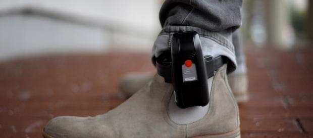 Abschiebehaft und Fußfessel: Das Sicherheitspaket im Faktencheck ... - br.de