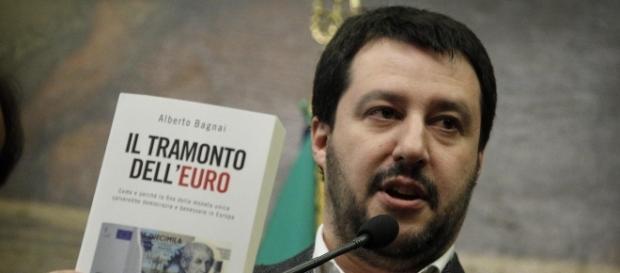 Immigrazione, Matteo Salvini: 'Chiuderei le frontiere come Trump'