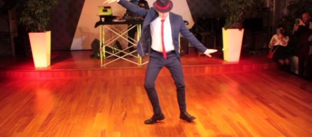 Sven Otten porta il suo ballo sul palco di Sanremo facendo impazzire il pubblico