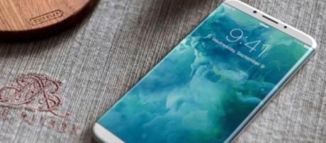 iPhone 8, rivoluzione in arrivo. Nuovo design e display più grande - virgilio.it