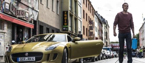 Autobahn - Fuori controllo: Nicholas Hoult in una scena del film ... - movieplayer.it