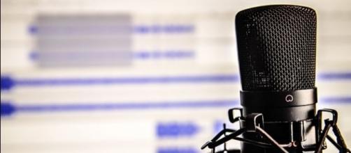 La radio è ancora oggi un punto di riferimento della comunicazione, sia dal punto di vista dell'informazione che da quello dell'intrattenimento.