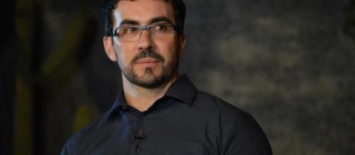Padre Fábio de Melo respondeu críticas de Sônia Abrão nas redes sociais