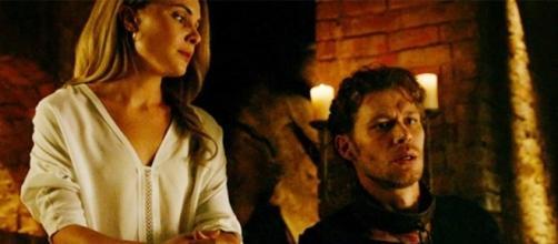 Será Cami uma alucinação de Klaus? (Foto: Divulgação/CW)